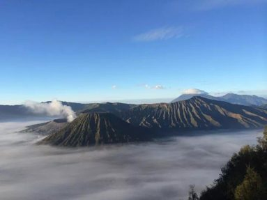 Wisata Gunung Bromo dan Surabaya
